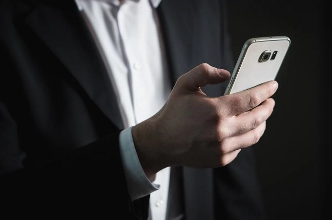 Study asks are smartphones dangerous